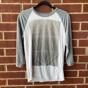 American Eagle | Long Sleeve Graphic Tee